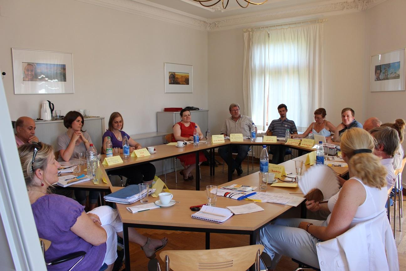Doris Wagner zu Besuch beim Arbeitskreis Jugendmigration in München