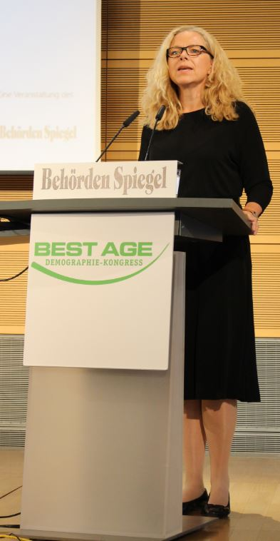 150908 Doris Wagner Laudatio Demografiepreis Berlin Demografiekongress Behördenspiegel Wahlbeteiligung SRzG