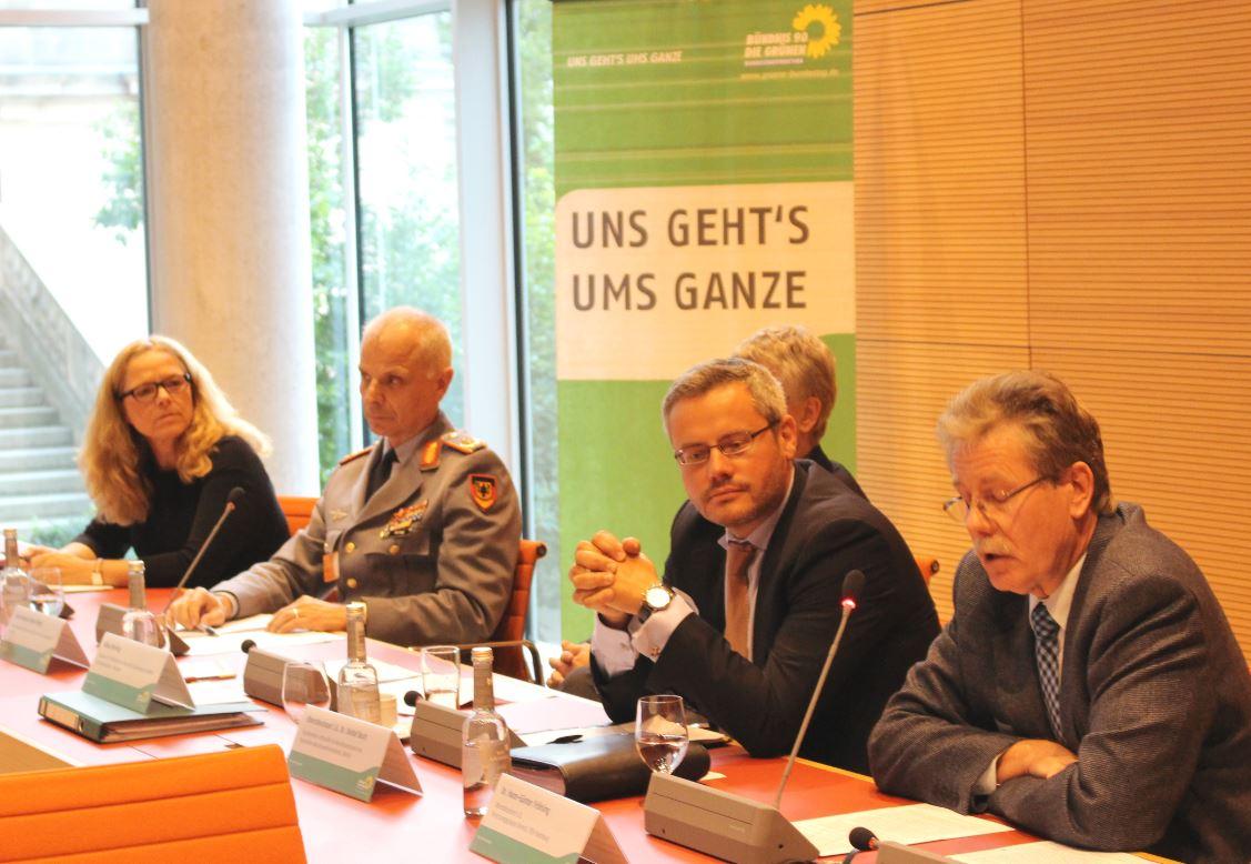 150930 Fachgespäch Innere Führung, Doris Wagner, MdB Jürgen Weigt, Dr. Hans-Günter Fröhling, Dr. Detlef Buch, Klaus Ebeling2