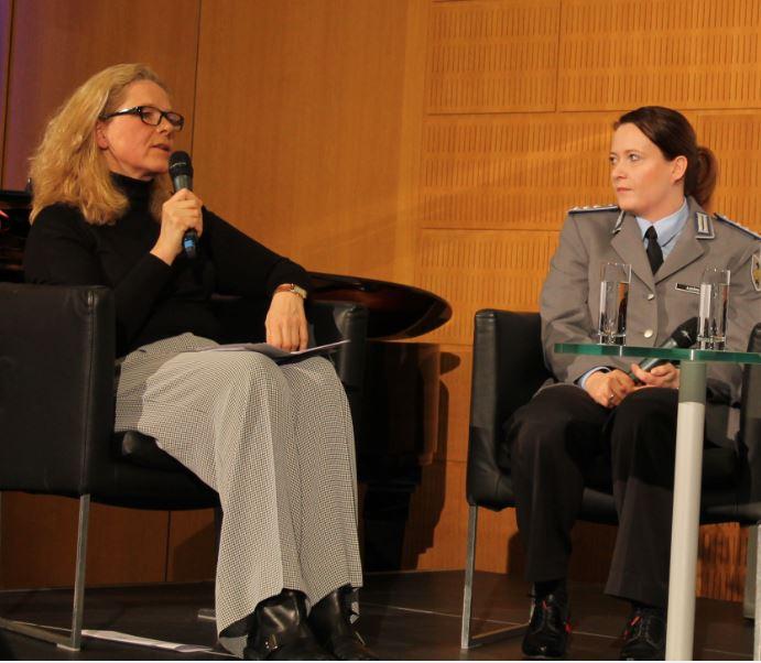 8. März 2016 – Und hergehört! Ein Beitrag zur Lage der Frauen in der Bundeswehr