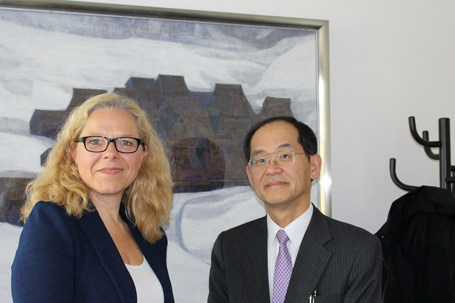 Doris Wagner und Generalkonsul Hidenao Yanagi