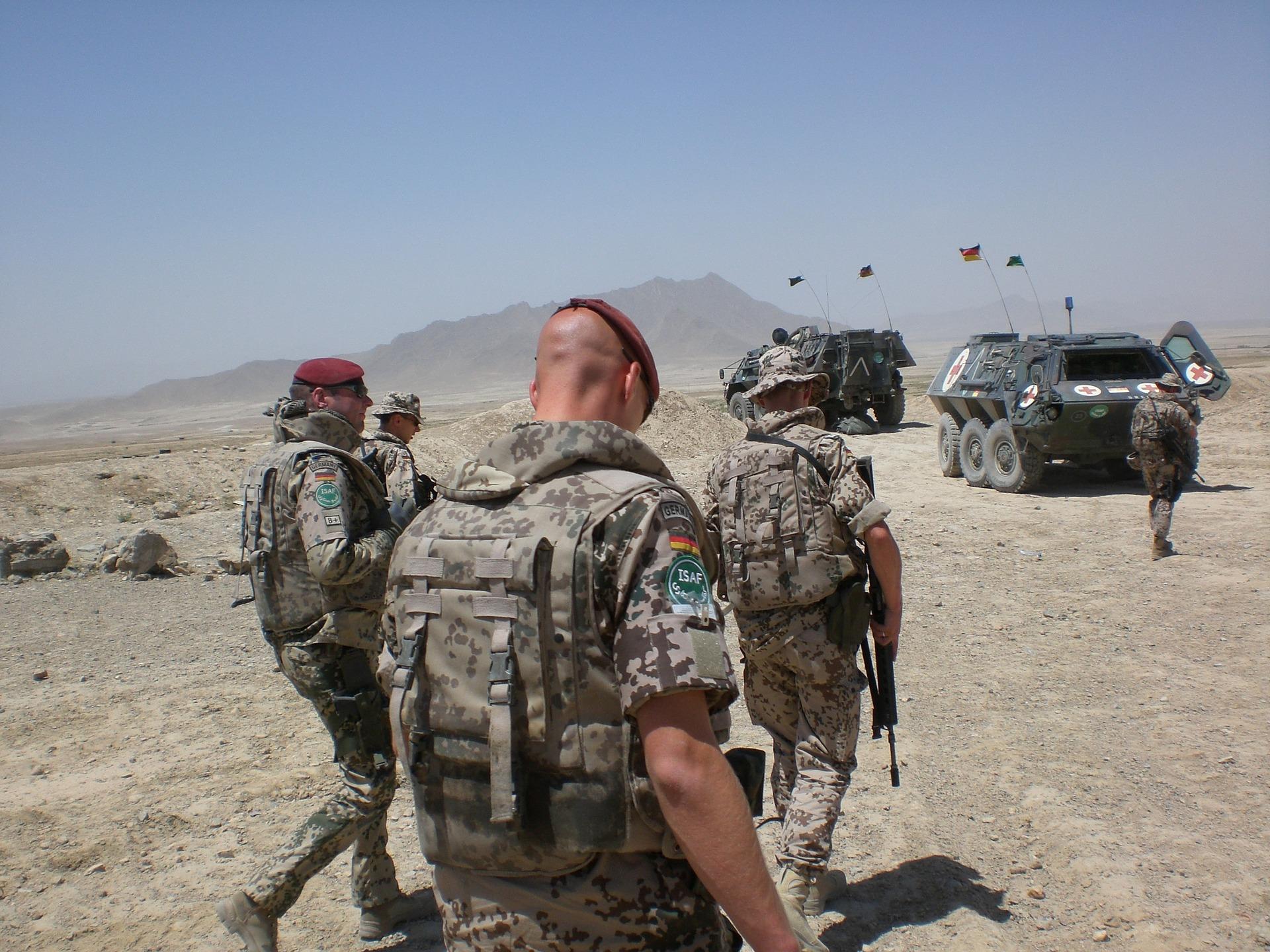 Auf dem Bild sind deutsche Soldaten während eines Einsatzes in Afghanistan zu sehen.