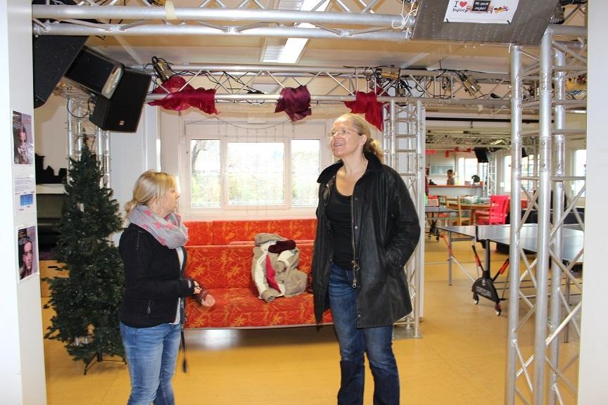 Doris Wagner in der SchlaU-Schule