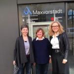 Heidi Schiller, Kreisvorsitzende der Münchner Grünen, und Frau Schmidt-Deckert vom ASZ Maxvorstadt
