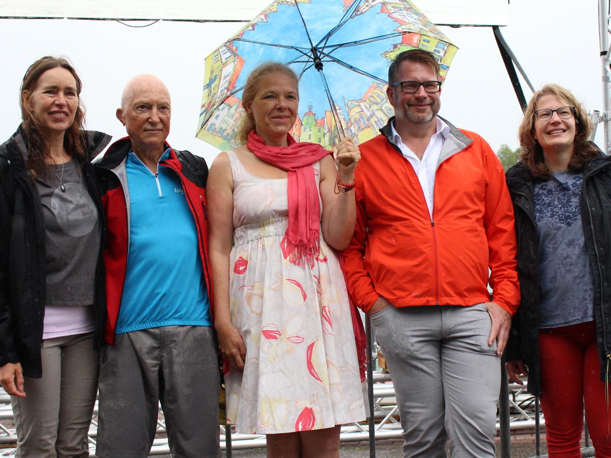 Foto auf der Ruder-Regattastrecke - von links nach rechts: Madeleine Eilenstein, Georg Nitsche, Doris Wagner, Oliver Bettzieche, Isabel Klose